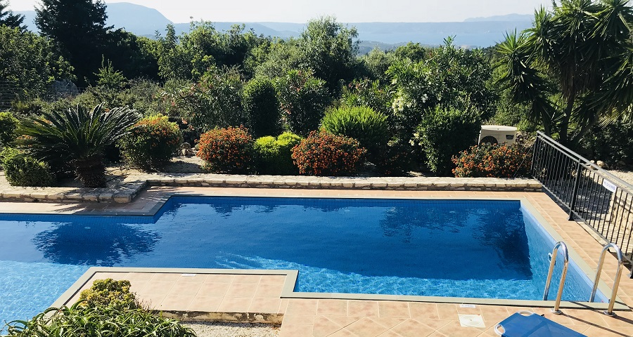 Crete villa, nr. Chania, Almyrida, Kalyves, sleeps 6 with pool